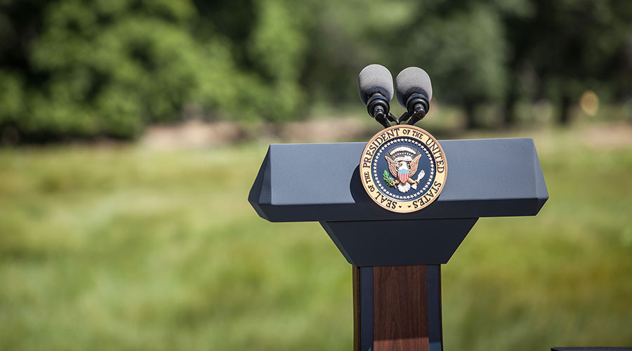 Presidential-Seal-and-Podium