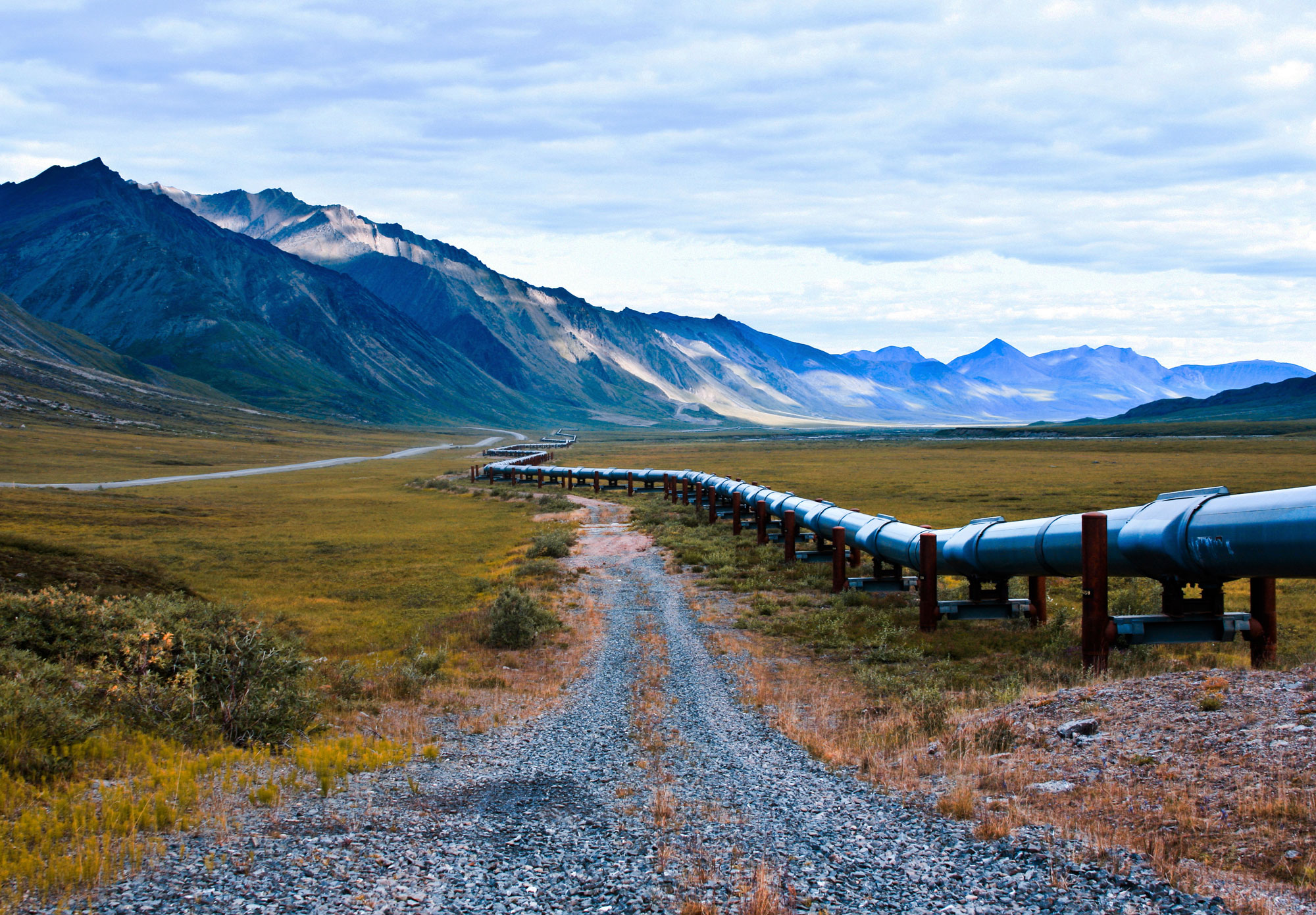 Alaskan-oil-pipeline