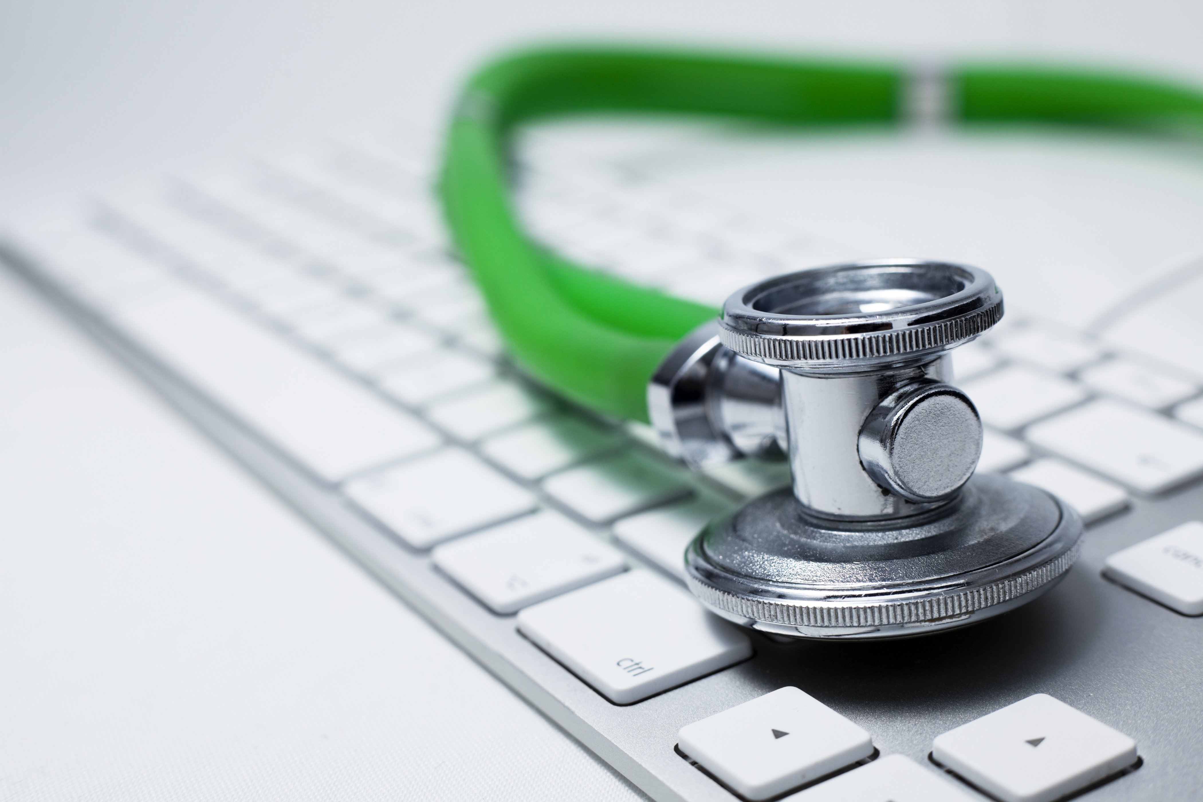 Stethoscope_on_keyboard