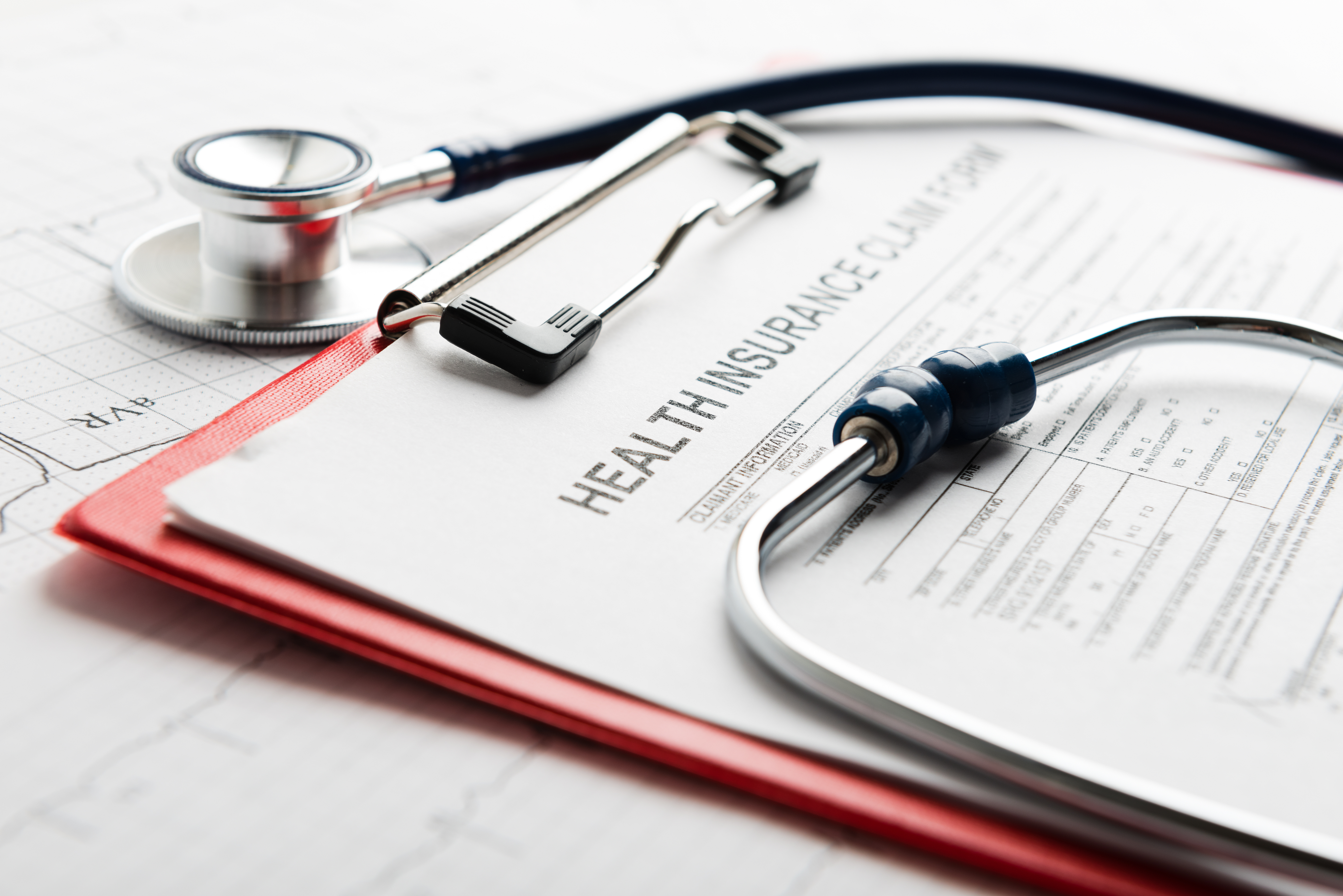 stethoscope_and_health_insurance_claim_form