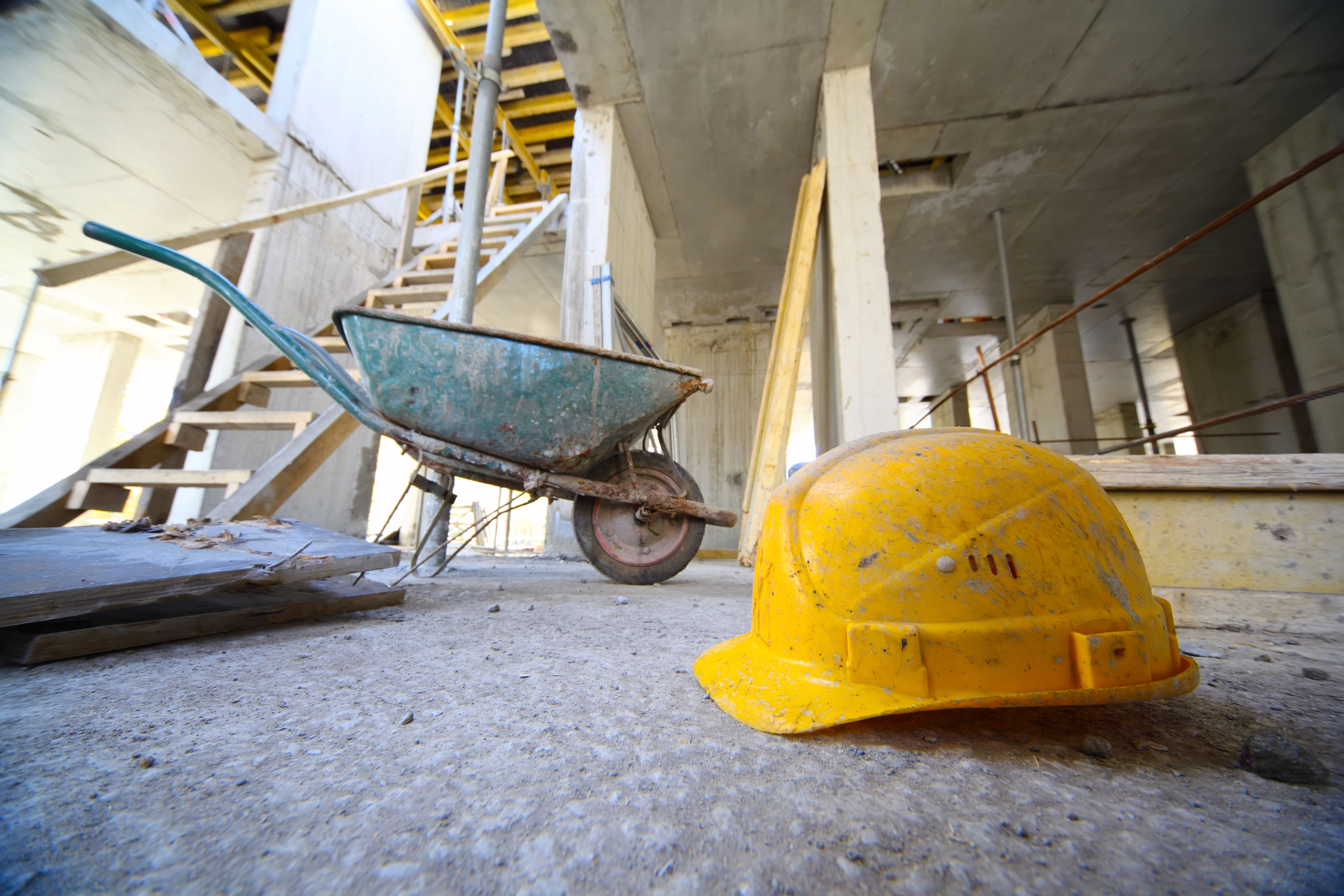 Yellow-Hard-Hat-at-Construction-Site